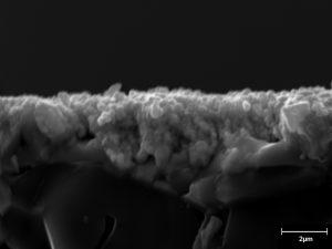 Dephis 25 Fractographie d'un alliage poreux sur substrat d'Alumine