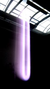 """Photo """"design"""" plasma avec reflet verrière"""